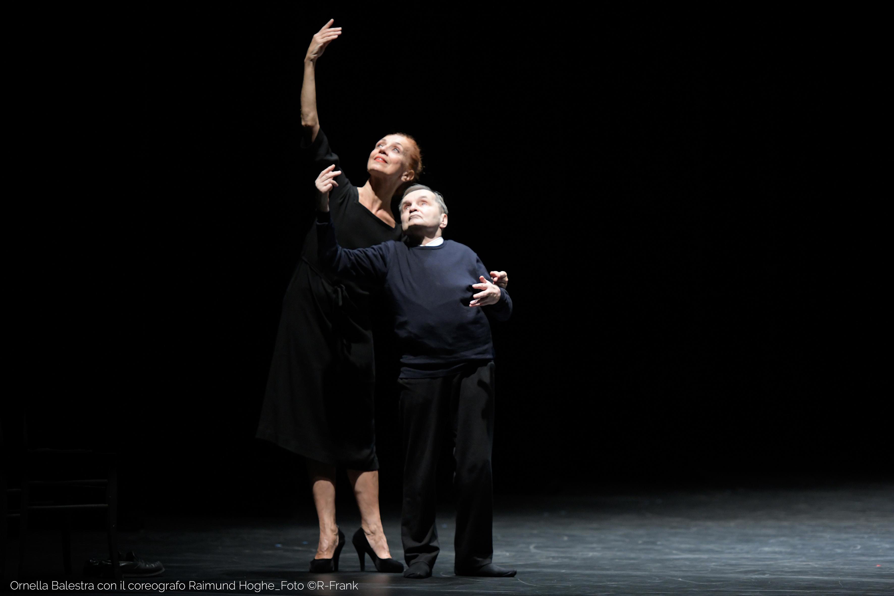 Ornella Balestra mit Raimund Hoghe, Deutscher Tanzpreis 2020, Essen, Deutschland © Rosa-Frank.com